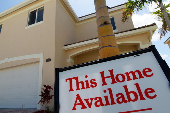 For Sale「New Home Sales Fall 33 Percent In May」:写真・画像(4)[壁紙.com]