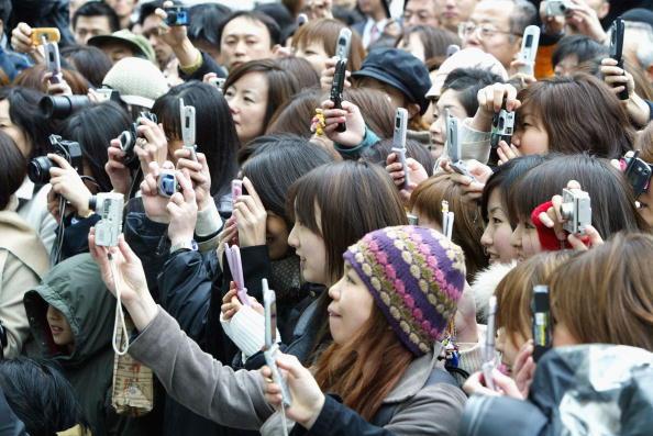 Wireless Technology「90% of Cellular Phones With Digital Camera In Japan」:写真・画像(19)[壁紙.com]