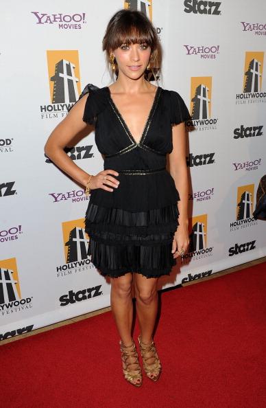 V-Neck「14th Annual Hollywood Awards Gala - Red Carpet」:写真・画像(11)[壁紙.com]