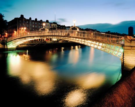 Dublin - Republic of Ireland「Ha'penny Bridge, Dublin」:スマホ壁紙(4)