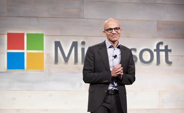 Microsoft「Microsoft Holds Annual Shareholder Meeting」:写真・画像(3)[壁紙.com]