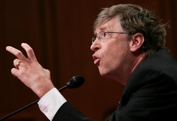 Win McNamee「Bill Gates Testifies At Senate Hearing On American Competitiveness」:写真・画像(16)[壁紙.com]
