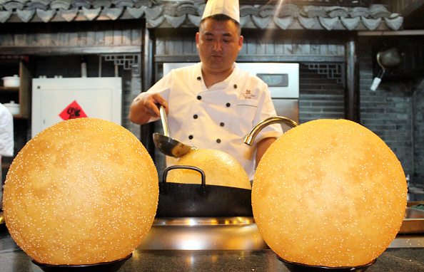 Sesame「Huge Sesame Seed Balls Made In Suzhou」:写真・画像(6)[壁紙.com]