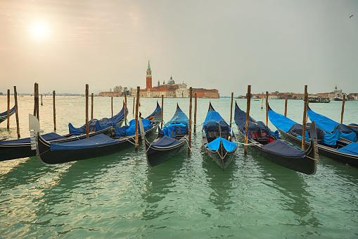 Gondola「イタリア ・ ベネチアでゴンドラとサン ・ ジョルジョ ・ マッジョーレ」:スマホ壁紙(8)