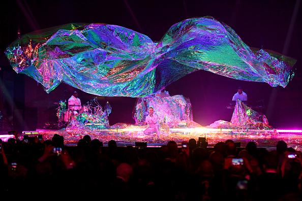 MGM Grand Garden Arena「The 19th Annual Latin GRAMMY Awards  - Show」:写真・画像(16)[壁紙.com]