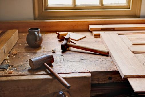 Craftsperson「Carpenter's workbench and tools」:スマホ壁紙(5)