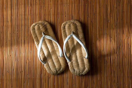 Personal Perspective「Carpenter's Indoor Sandals on Bamboo Mat at Traditional Residence on Japan's Miura Peninsula」:スマホ壁紙(12)