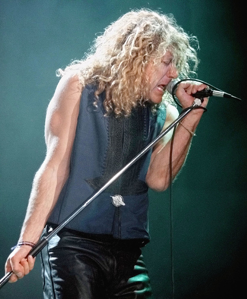 Europe「Robert Plant performing 1995」:写真・画像(4)[壁紙.com]