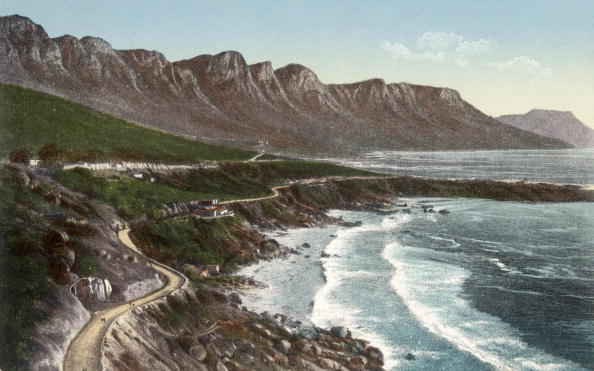 20th Century「Camps bay near Cape Town in South Africa : Victoria Road and the Twelve Apostles Mountains, postcard, c. 1905」:写真・画像(6)[壁紙.com]