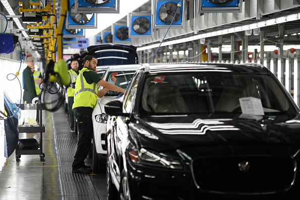 Economy「On The Factory Floor At The Jaguar Rover Factory」:写真・画像(11)[壁紙.com]
