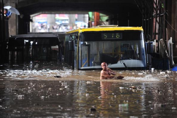 Torrential Rain「Rainstorm Hits Wuhan」:写真・画像(17)[壁紙.com]