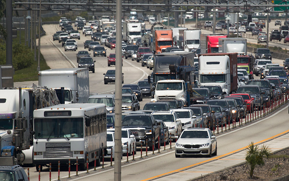 Multiple Lane Highway「Holiday Weekend Predicted To Be Busiest Memorial Day Travel Weekend Since 2005」:写真・画像(18)[壁紙.com]