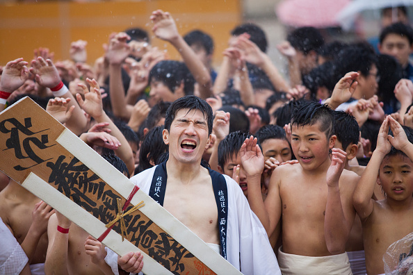 Japan「Naked Festival Takes Place At Saidaiji Temple」:写真・画像(8)[壁紙.com]