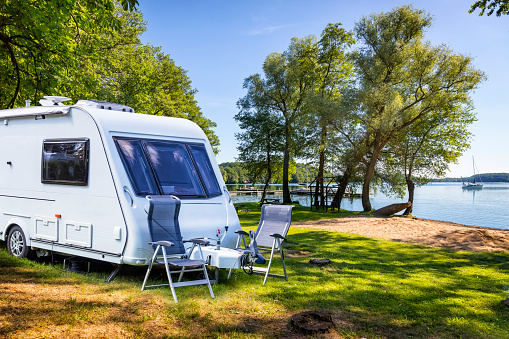 West Pomeranian Voivodeship「Vacations in Poland - Camper trailer on the shore of bay of the Drawsko lake」:スマホ壁紙(13)
