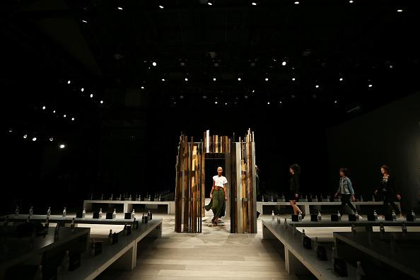 Number 18「Yousef Akbar - Backstage - Mercedes-Benz Fashion Week Australia 2017」:写真・画像(8)[壁紙.com]