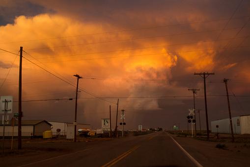 Small Town America「Sunset Storm」:スマホ壁紙(15)