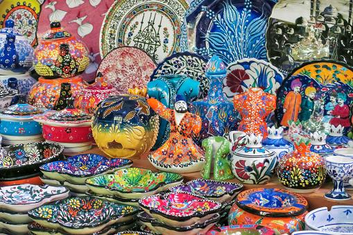 Market Stall「Colorful souvenir display, Spice Bazaar, Eminonu Istanbul Turkey」:スマホ壁紙(6)