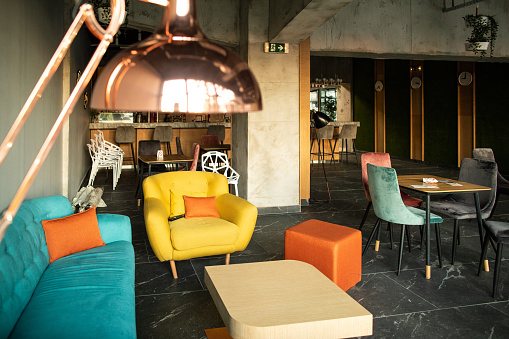 New Business「Colorful Sofa and armchairs in cafe」:スマホ壁紙(7)