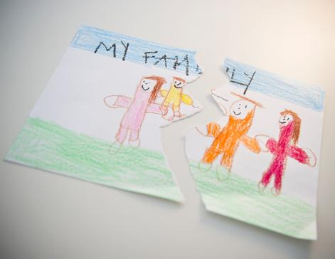 Sadness「Torn child's drawing depicting family」:スマホ壁紙(7)