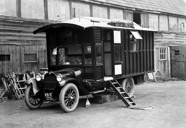 Recreational Pursuit「1930 Dodge Camper Van Conversion By Hutchings. Creator: Unknown.」:写真・画像(4)[壁紙.com]