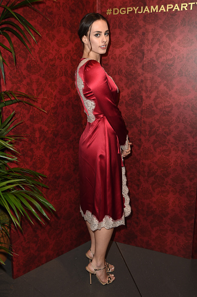 肩ごしに見る「Dolce & Gabbana Pyjama Party At 5th Avenue Boutique」:写真・画像(0)[壁紙.com]