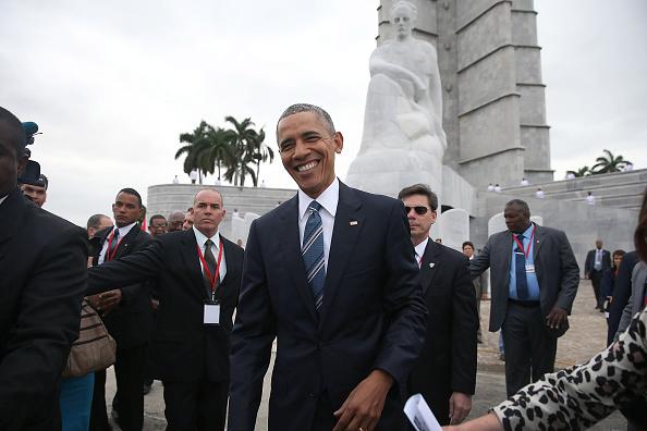 1人「President Obama Lays Wreath At Jose Marti Memorial」:写真・画像(1)[壁紙.com]