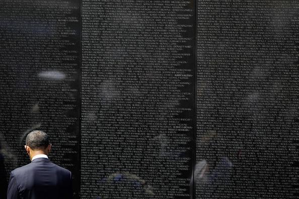 Wall - Building Feature「Secretary Of Defense Leon Panetta Hosts Ceremony At Vietnam Veterans Memorial」:写真・画像(18)[壁紙.com]