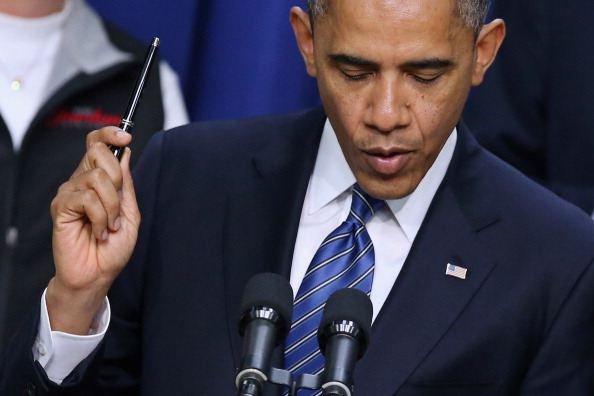 Middle Class「Obama Discusses Middle Class Tax Cuts At White House」:写真・画像(13)[壁紙.com]
