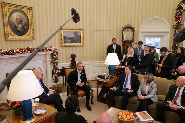 Advice「Obama Makes Statement On San Bernardino Shootings At White House」:写真・画像(12)[壁紙.com]
