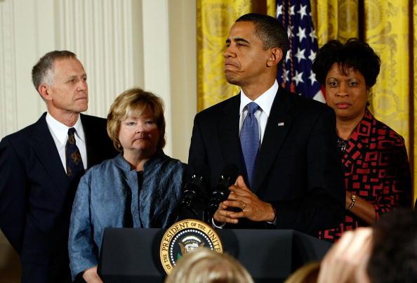 Hate Crime「Obama Speaks At Hate Crimes Prevention Act Enactment」:写真・画像(4)[壁紙.com]