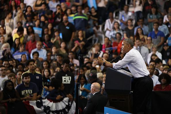 Florida International University「President Obama Attends Early Voting Rally In Miami」:写真・画像(16)[壁紙.com]