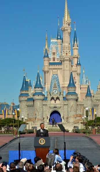 Magic Kingdom「Obama Discusses Economic Strategies At Walt Disney World Event」:写真・画像(9)[壁紙.com]