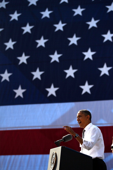 Win McNamee「President Obama Speaks At Georgetown's Key Bridge Urging Congress To Pass American Jobs Act」:写真・画像(16)[壁紙.com]
