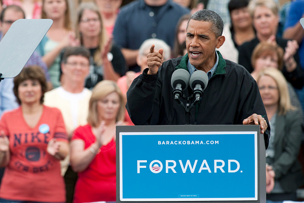 Middle Class「President Obama Kicks Off Three Day Bus Tour In Iowa」:写真・画像(1)[壁紙.com]