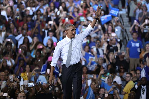 Orlando - Florida「President Obama Campaigns For Hillary Clinton In Orlando, Florida」:写真・画像(16)[壁紙.com]