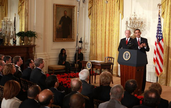 Middle Class「Obama And Biden Discuss Middle Class Working Families Taskforce」:写真・画像(10)[壁紙.com]