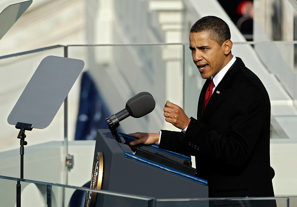 Speech「Barack Obama Is Sworn In As 44th President Of The United States」:写真・画像(2)[壁紙.com]