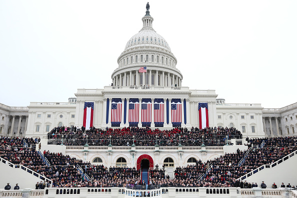 Presidential Inauguration「Barack Obama Sworn In As U.S. President For A Second Term」:写真・画像(17)[壁紙.com]