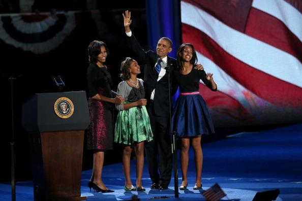 Metallic Dress「President Obama Holds Election Night Event In Chicago」:写真・画像(13)[壁紙.com]