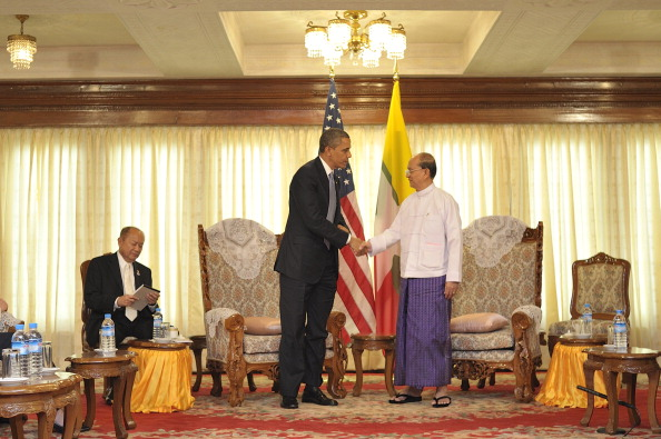 Visit「US President Obama Makes Historic Visit To Burma」:写真・画像(17)[壁紙.com]