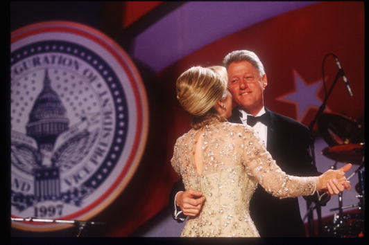 Presidential Inauguration「Clintons Celebrate At Inaugural Balls」:写真・画像(0)[壁紙.com]