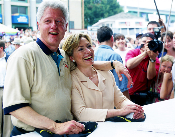 Politician「President and Mrs. Clinton Attend New York State Fair」:写真・画像(2)[壁紙.com]