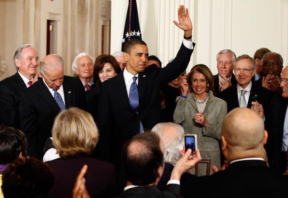 署名「President Obama Signs Health Care Reform Bill」:写真・画像(11)[壁紙.com]