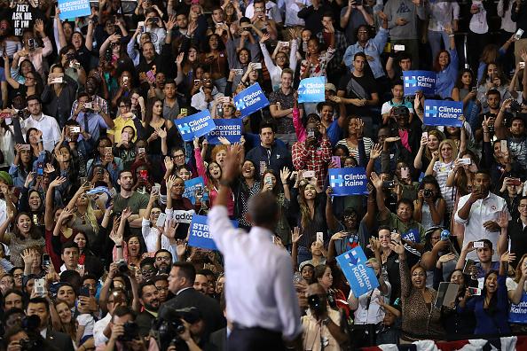 Florida International University「President Obama Attends Early Voting Rally In Miami」:写真・画像(17)[壁紙.com]