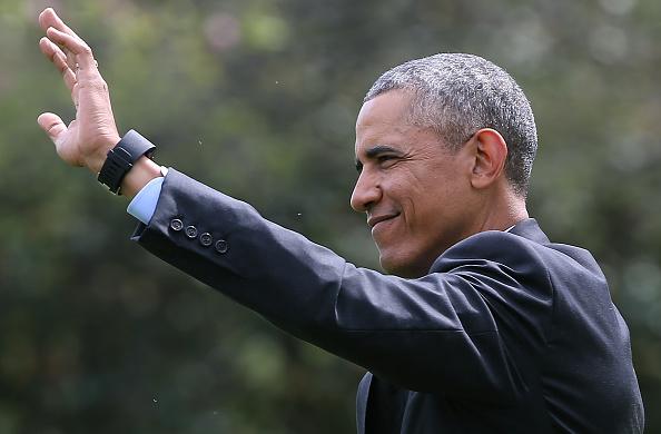 笑顔「President Obama Departs The White House En Route To Saudi Arabia」:写真・画像(9)[壁紙.com]