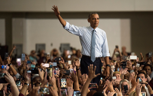 Crowd「President Obama Campaigns For Hillary Clinton In Ohio」:写真・画像(7)[壁紙.com]