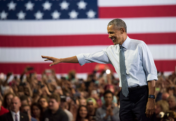 Crowd「President Obama Campaigns For Hillary Clinton In Ohio」:写真・画像(13)[壁紙.com]