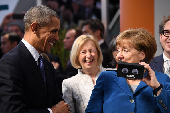 Finance and Economy「Obama Visits Exhibition Halls At Hanover Trade Fair」:写真・画像(12)[壁紙.com]