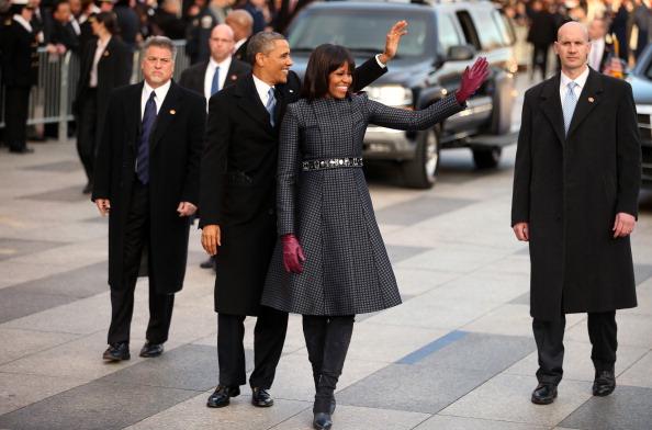 全身「Inaugural Parade Held After Swearing In Ceremony」:写真・画像(0)[壁紙.com]