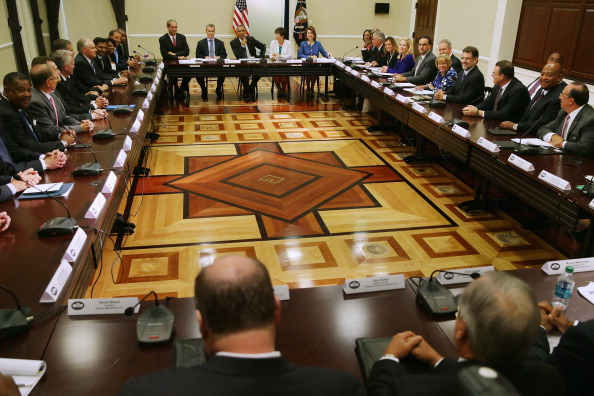 Small Office「President Obama Meets With Executives And Their Small Business Suppliers」:写真・画像(17)[壁紙.com]